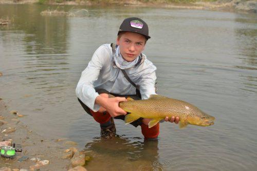 Holding fish